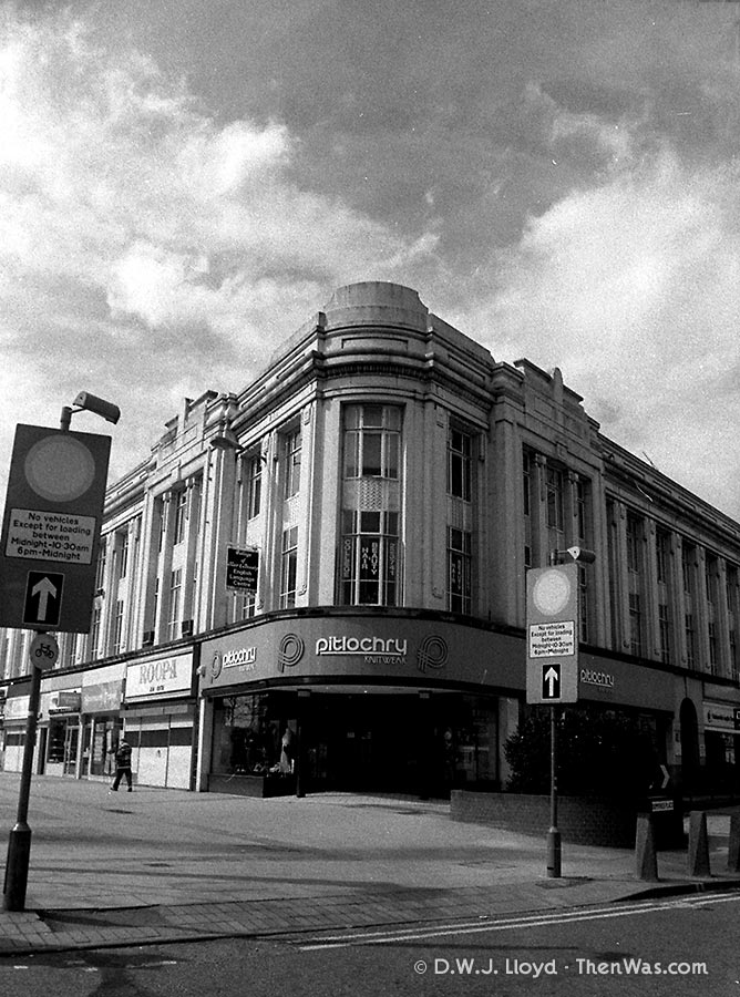 The corner of Queen Street, now a Sainsburys