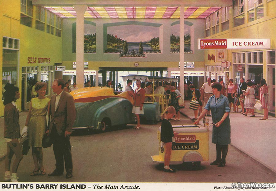 The Main Arcade at Barry Butlins (Photographer E. Nägele)