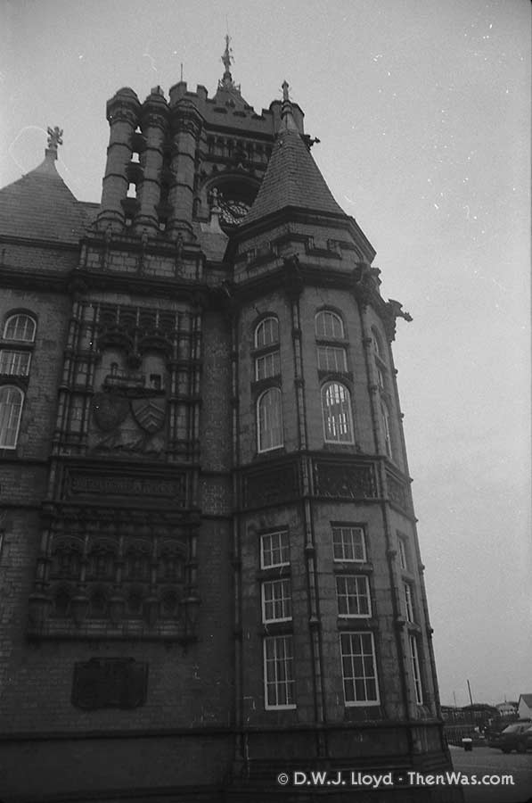 The Pier Head Building (circa 1989)