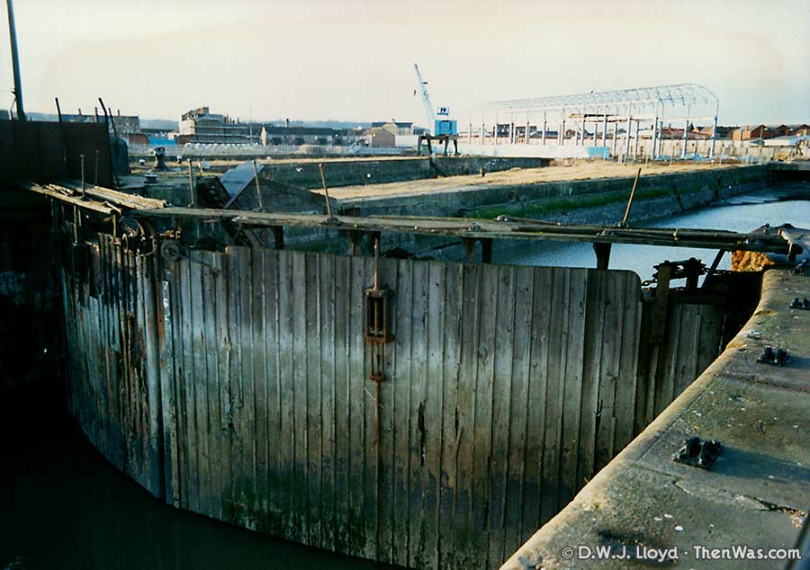 Another one of the Mount Stuart Graving Docks' sea gates (circa 1992/93)