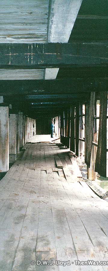 Collapsing walkway under the tidal harbour building