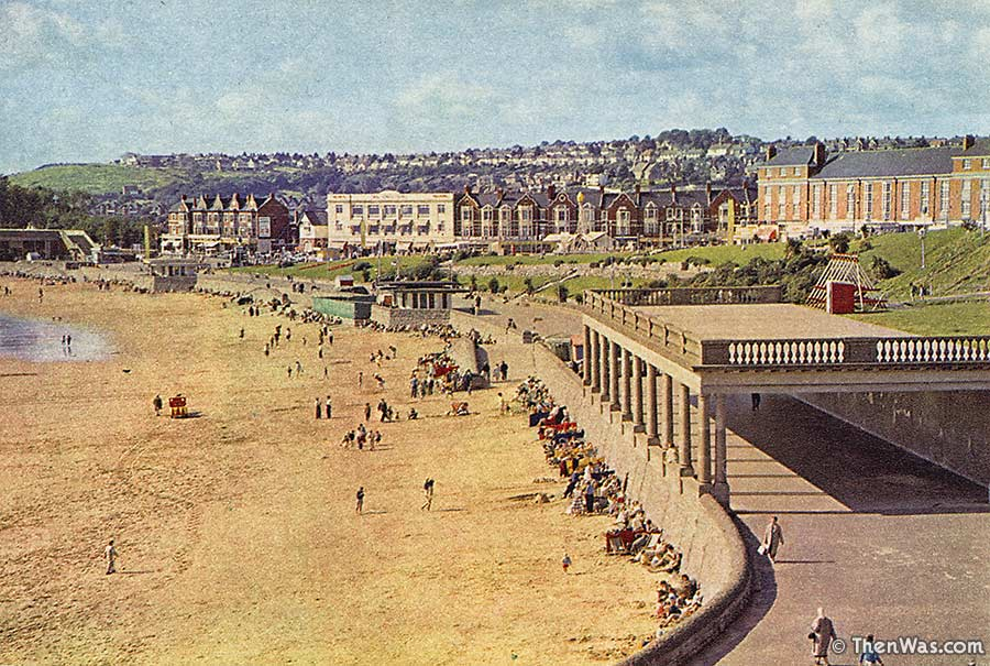 1960s View Of A Quiet Beach From Nell's Point At Barry Island (Photographer Unknown)