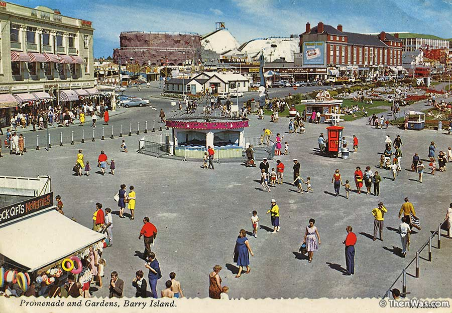 1960s View Of The Promenade At Barry Island (Photographer Unknown)